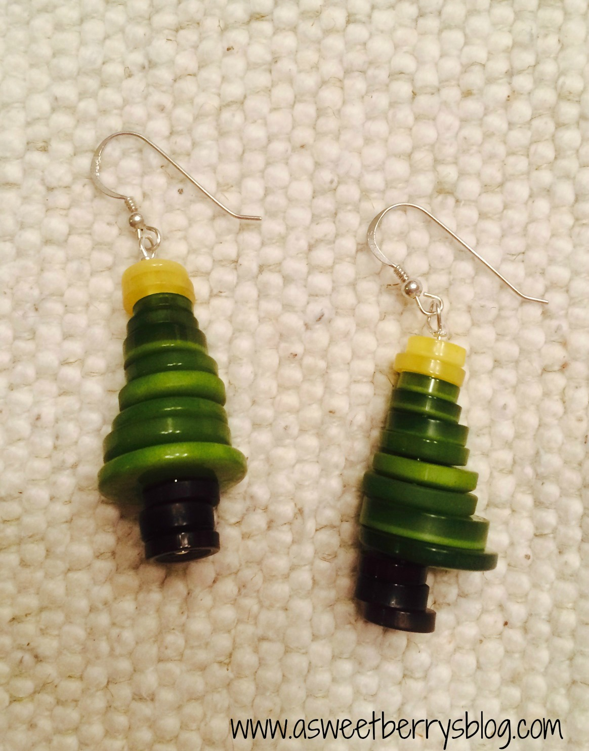Button Christmas Tree Earrings A Sweet Berry's Blog - Make Christmas Tree Earrings